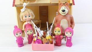 Masha Küçük Maşalara Şeker Dağıtıyor Eğlenceli Videolar