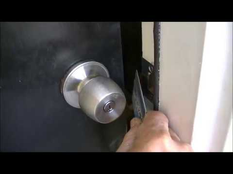 Open Door Lock With Credit Card Youtube