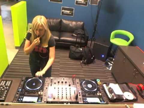 DJ Colette Beatport Live - Unknown track