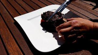 Baixar Reh-Schäuferle mit einer Rotweinsoße und einem Kartoffel-Sellerie-Schaum