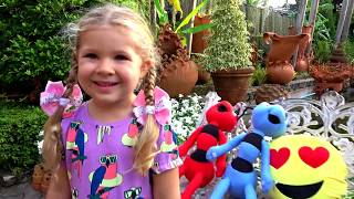 Diana looking for colored Toys, video for kids with Finger Family song