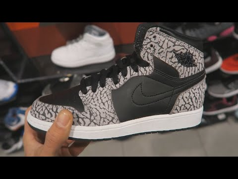 Sneaker Shopping in the 6IX - MALL VLOG (Toronto Eaton Center)