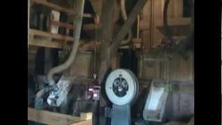 WORKING WINDMILL The craft of milling : a day of work at