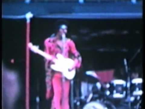 Jimi Hendrix   70.07.26 - Sick's Stadium, Seattle, Washington, USA