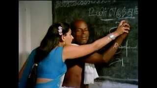 Repeat youtube video Mundhanai Mudichu - Deepa Takes Literacy Class for Elders