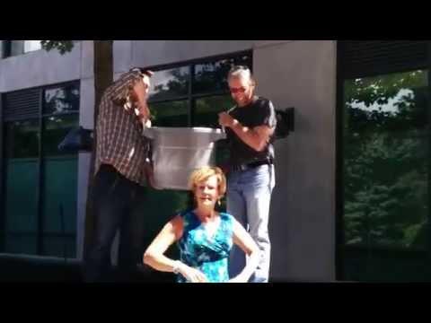 Erin Davis does the #ALSICEBUCKETCHALLENGE