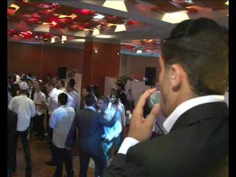 איציק אורלב בחתונה מחרוזת חסידית 2 itzik orlev