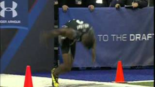 Repeat youtube video Trindon Holliday Runs a 4.21 sec. 40 Yard Dash at the NFL Combine