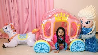 shfa Pretend Play with Princess Carriage Inflatable Toy