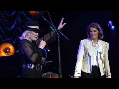 Brandi Carlile At The Ryman - That Wasn't Me With Tanya Tucker 1/14/20