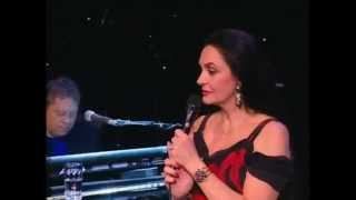 Watch Crystal Gayle Skylark video