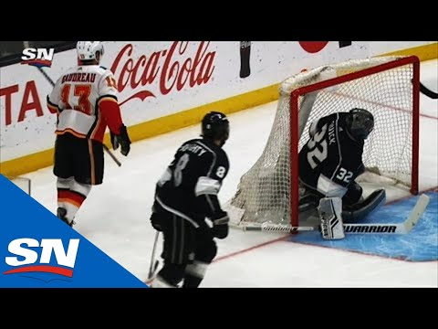 johnny-gaudreau-scores-from-sharp-angle-top-shelf-past-jonathan-quick