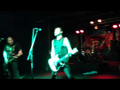 "Teenage Bottlerocket ""Social Life"" live @Live Forum (MI) 15/11/2013"