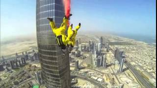 Heartstopping moment daredevils skydive from Burj Khalifa