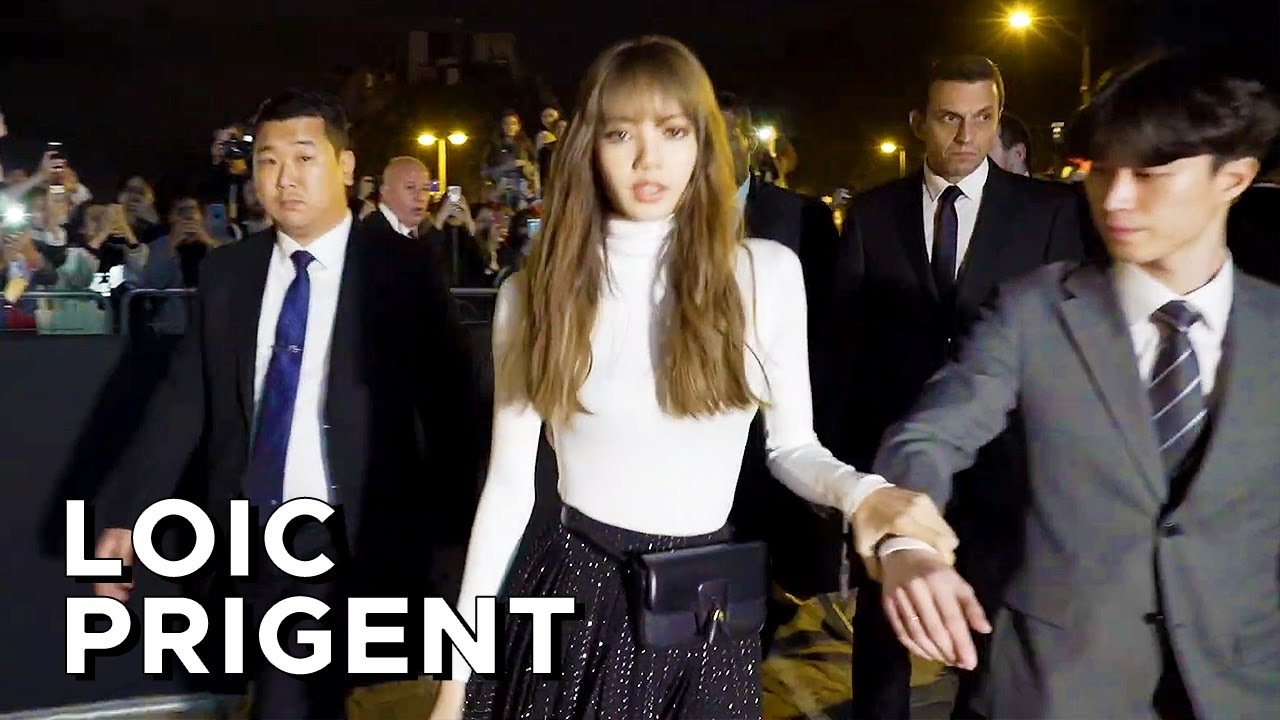AT THE CELINE SHOW, EPIC MELTDOWN FOR Lisa 리사 ลิซ่า from BLACKPINK 블랙핑크 by Loic Prigent