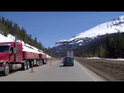 Driving Around the Rocky Mountains - Drive to Lake Louise - Crossing from BC to Alberta