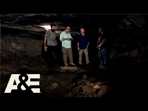 Cursed: The Bell Witch: Deep in Bell Witch Cave (Season 1, Episode 4)   A&E