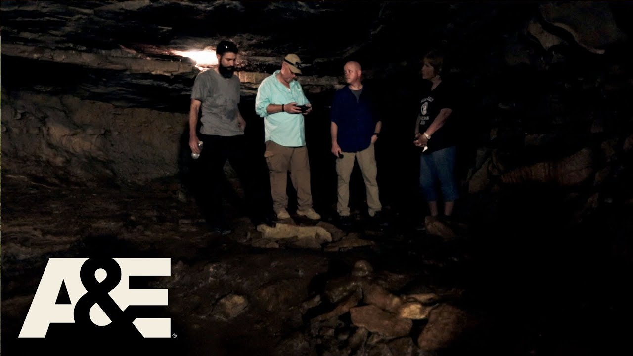 Download Cursed: The Bell Witch: Deep in Bell Witch Cave (Season 1, Episode 4) | A&E
