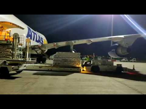 Un nuevo vuelo procedente de China llega a España con material sanitario para Castilla y León