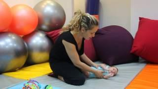 טיפים חשובים על הדרך הנכונה להרים תינוק ממשטח  - מרכז מיבאל'ה