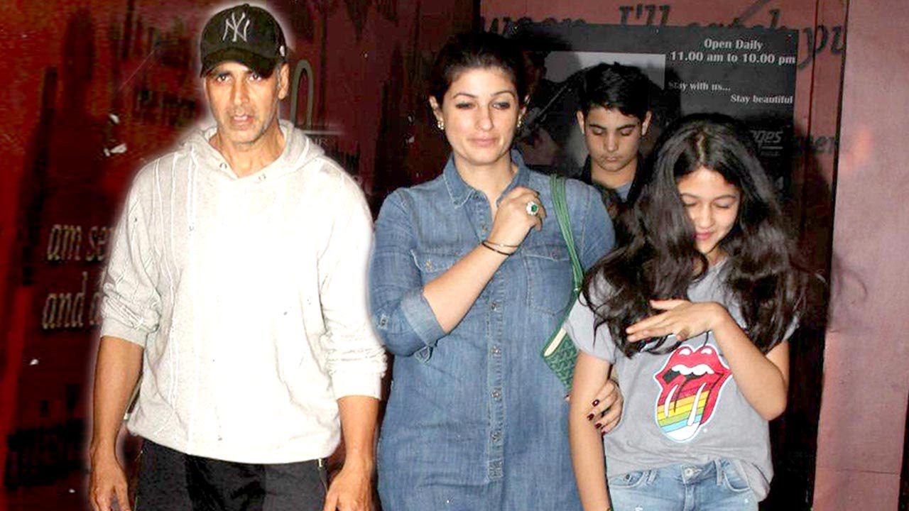 Akshay Kumar With Son, Daughter & Wife Twinkle Khanna At ...