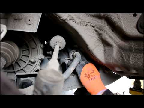 SsangYong Actyon 2,0 4wd СсангЙонг Актион 2012 года Замена втулок и стоек переднего стабилизатора