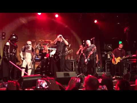 Breaking Benjamin live - Ben's birthday surprise. Imperial March, Tool, Nirvana, Pantera covers.