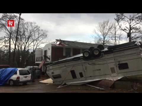 U.S southern states pounded by deadly storms