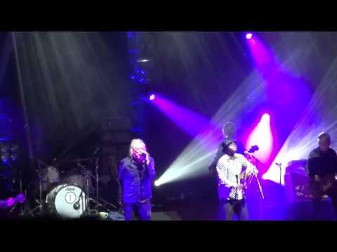 Robert Plant - 'Whole Lotta Love' (Wolves...