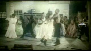 Missy Elliott feat. Ciara & Fatman Scoop - Lose Control