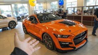 first-2020-shelby-gt500-dealer-delivery-finally-happening