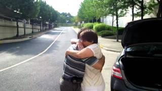 Mother and son unexpected reunion after 25 years