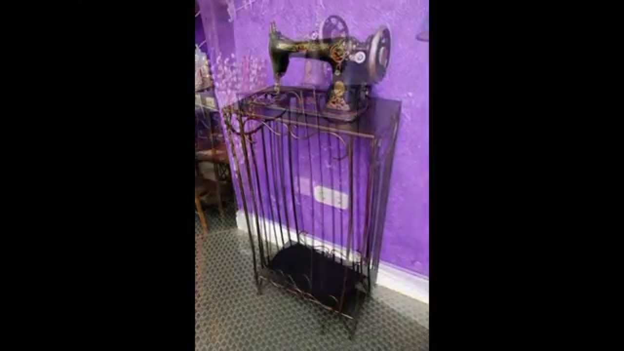 Mesa de forja para m quina de coser antigua serie for Como reciclar una mesa de televisor antigua