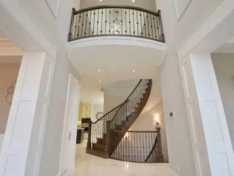 4+1-bedroom Luxury Smarthome in Mississauga's Mineola Neighbourhood