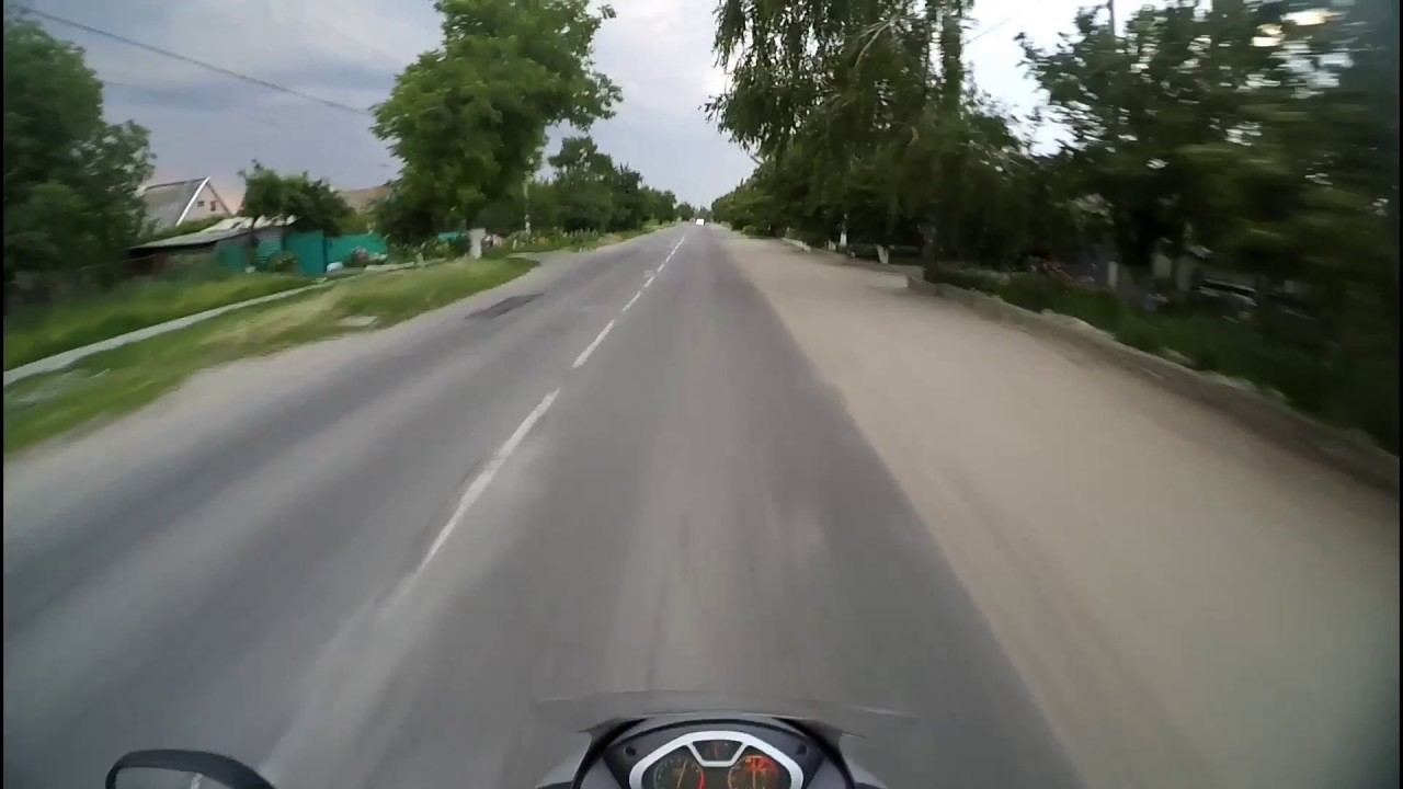 Идиот на дороге!