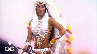 Смотреть клип Cher - Half-Breed