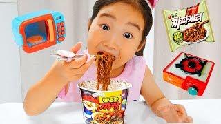 Boram and Pororo Noodle