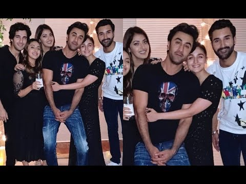 Alia Bhatt Hugs Boyfriend Ranbir Kapoor At Akansha Ranjan's Birthday Party Mp3