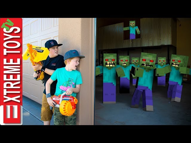 Minecraft Monster Mash! Sneak Attack Squad Glitchy Nerf Battle!