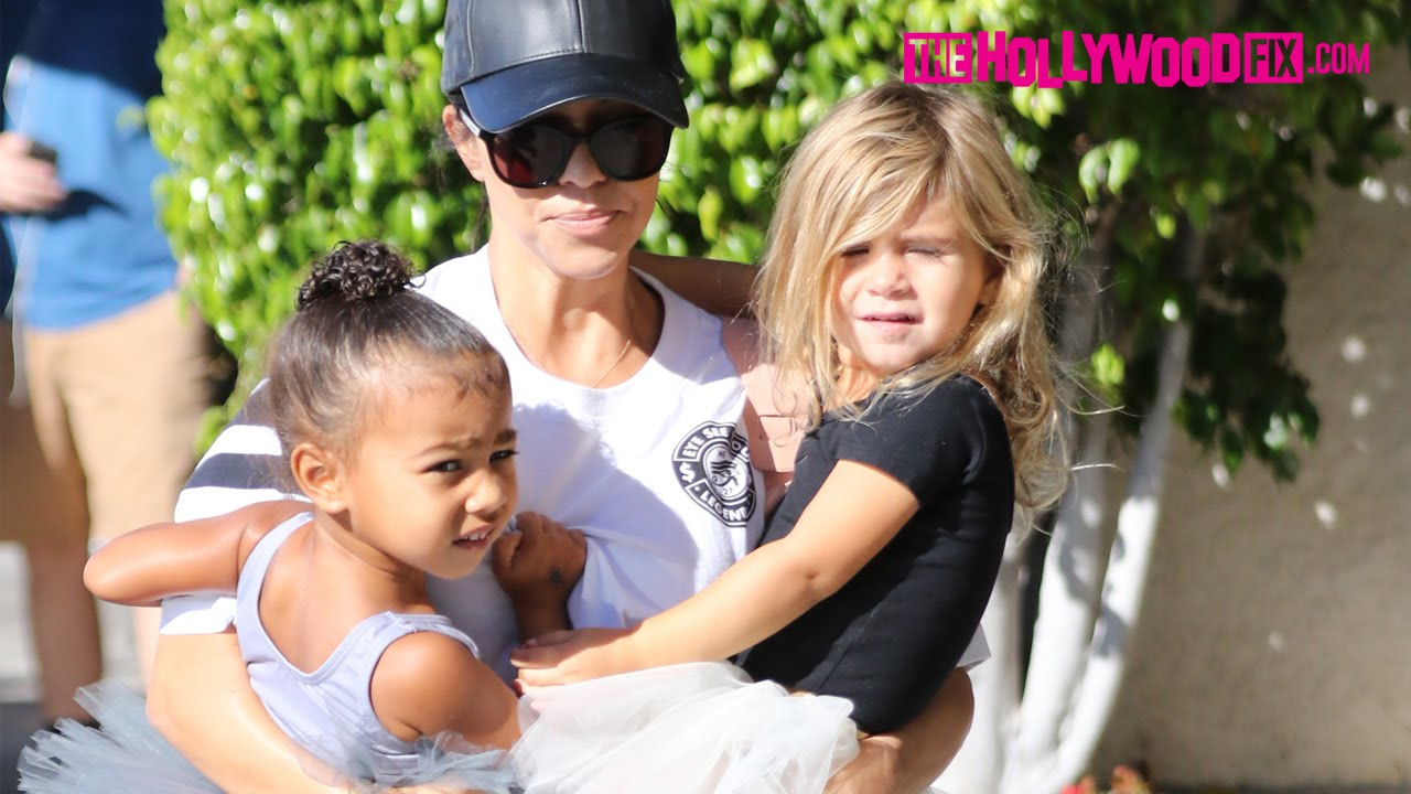 53bbf81bf420 North West   Penelope Disick Go To Ballet Class With Kourtney ...