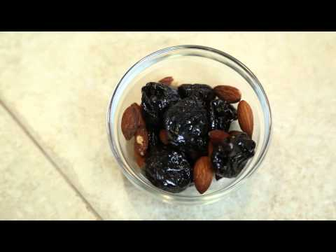 How To Eat Prunes : Nutrition Advice