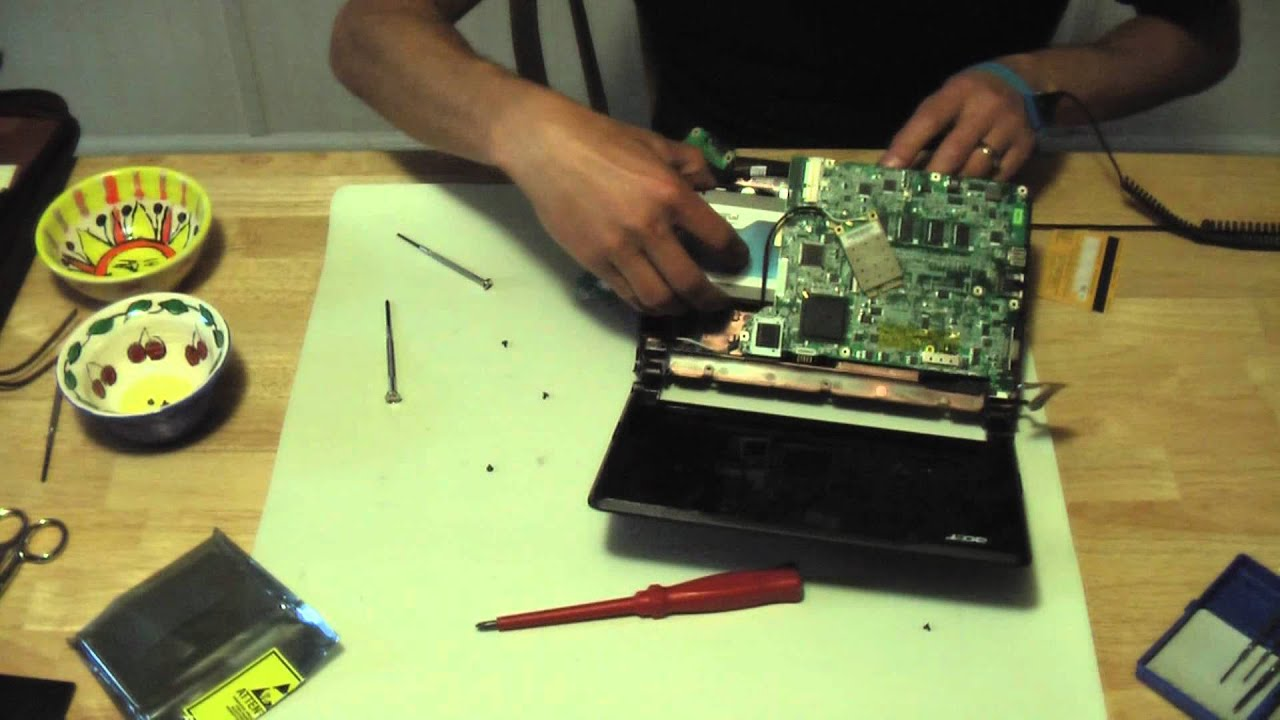 Acer Aspire One Disassembly  Upgrade SSD, RAM, Wi-Fi 802 11n