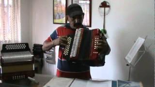 como independizar las manos desde el principio del estudio del acordeon