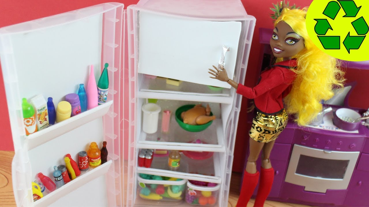 Make a doll refrigerator doll crafts simplekidscrafts simplekidscrafts youtube - Imagenes de muebles de carton ...