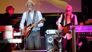 Keb' Mo' - Movin On Up @ Little Kids Rock Gala in Times Square 10/18/17