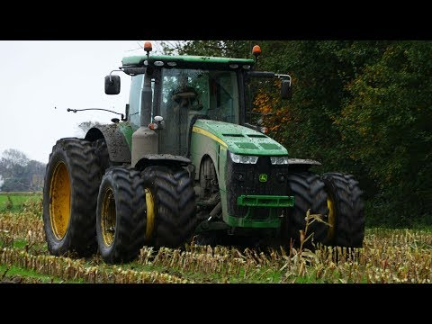 John Deere 8370R Working Hard in The Muddy Field | Pulling Out Friends | Danish Agriculture