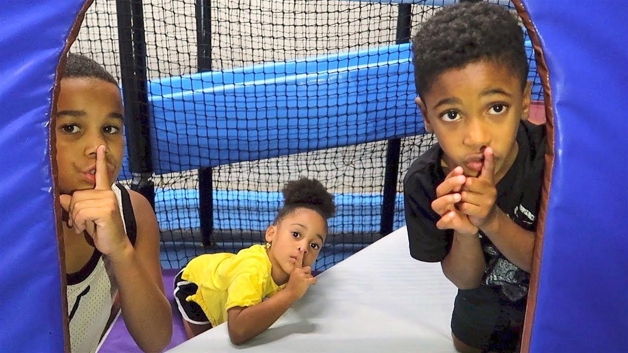 FamousTubeKIDS Go To Indoor Play Place | Hide and Seek Kids Pretend Play