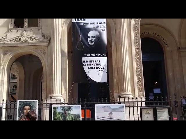 Les Iraniens demandent l'expulsion de Javad Zarif de Paris