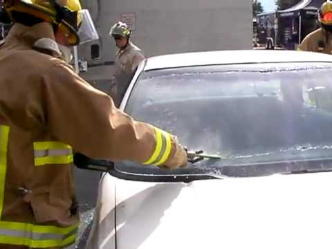 Windshield Removal With Sawzall Youtube