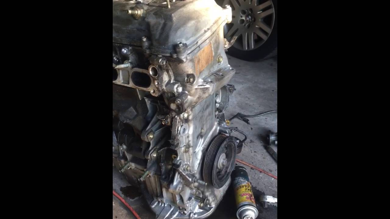 05 scion engine removal from top cracked oil pan [ 1280 x 720 Pixel ]